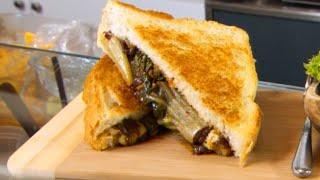 How To Make Bulgogi & Kimchi Sandwiches