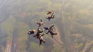 skydivers-nearly-collided-with-us-fighter-jets