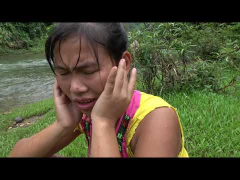 Primitive Life - Smart Girl's Build Simple Fish Trap Catch Big Fish Under The Waterfall