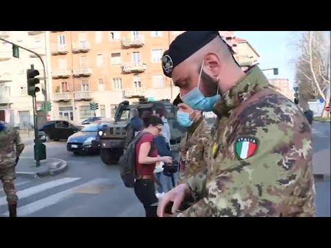 'Andate a casa': a Torino interviene l'esercito per far rispettare il decreto coronavirus