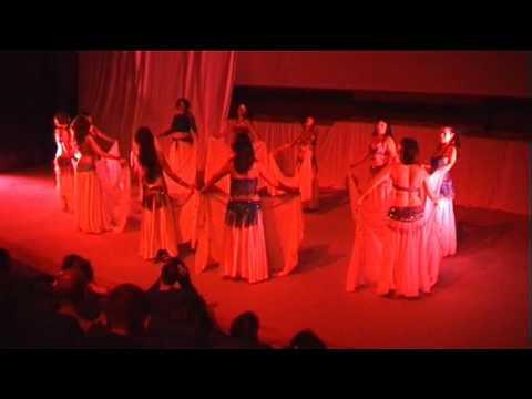 Danse Orientale Montpellier Les Orientales Les Avancées avec le voile