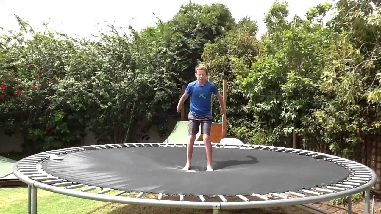 235cd5022b0e How to land a front flip in just 2 minutes! - YouTube