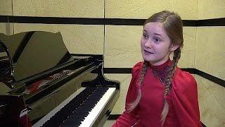 A 11 éves Alma Deutschert ünnepelte Bécs