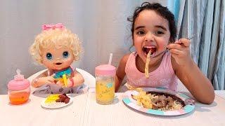 Baby Alive Clarabela e Bia na hora do almoço Com BIA LOBO