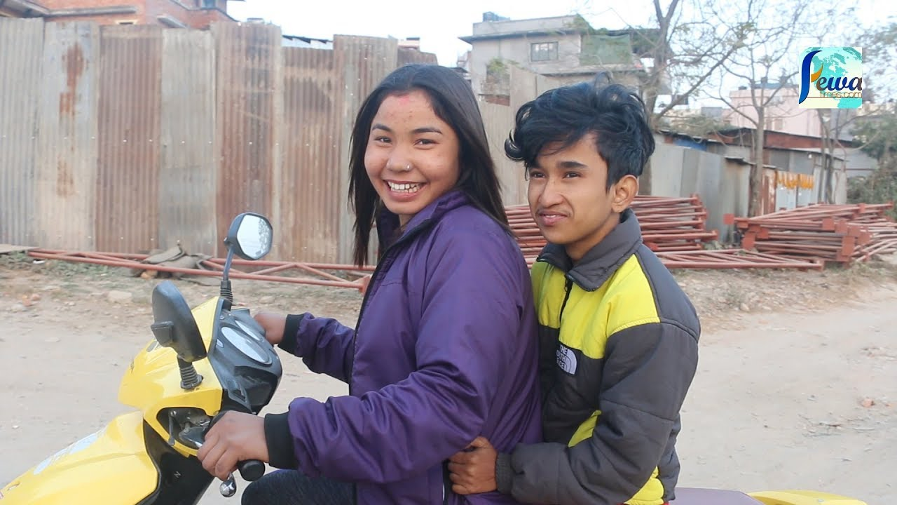 Family Planning गर्दै भेटिए भाईरल जोडि   स्कुटिमा राखेर बुढालाई शहर घुमाउँदै   Bakhat & Prativa