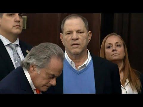 Harvey Weinstein surrenders into police custodyиз YouTube · Длительность: 41 с