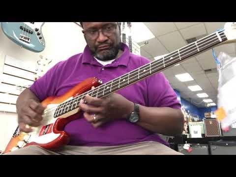 Fender Professional Series Lightweight Jazz Bass