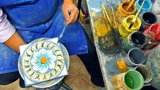 Cerámica artesanal. Artesano trabajando en su taller. Hecho a mano Sciacca / Sicilia