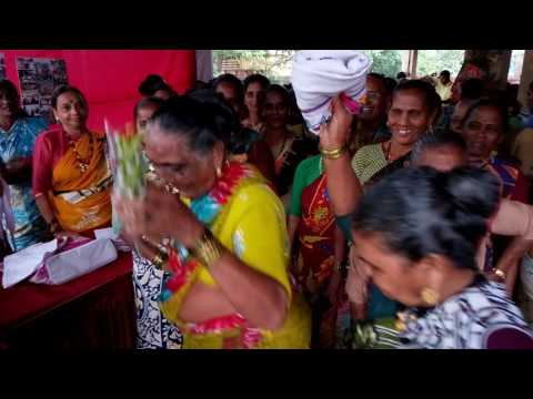 Uttan koliwada old koli women dance @ Marol Dry Fish market