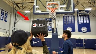 What's inside a SQUARE BASKETBALL? by : What's Inside?
