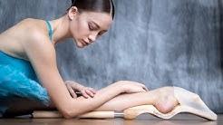 Ballet Foot Stretch® Original footstretcher - Elena Trushina, Mikhailovsky Theatre © Darian Volkova