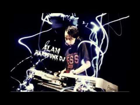 RDJS™ DJ ALAM FUNKY HARD MIX 2014 #Newton Bergetar Batam Island 2014   YouTube