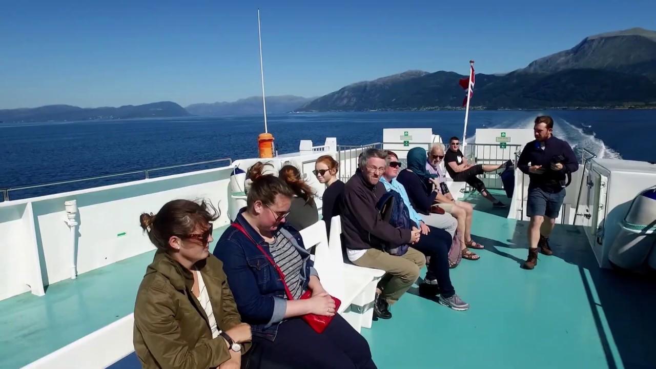 Thumbnail: Fjordcruise til Rosendal - opplev Baroniet og Folgefonnsenteret