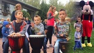 VLOG Соревнования в Бассейне Учимся Играть на Барабанах Веселые видео для Детей Kids Funny Video