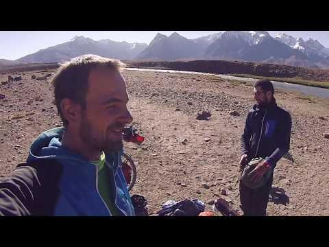Tadchicks - Cycling through the Pamir Mountains in Tajikistan