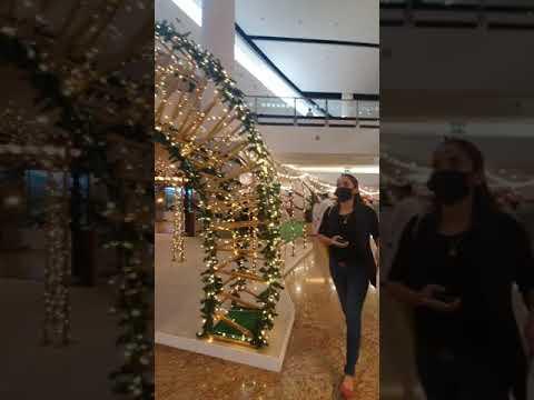 Christmas Feels in Dubai Mall of the Emirates