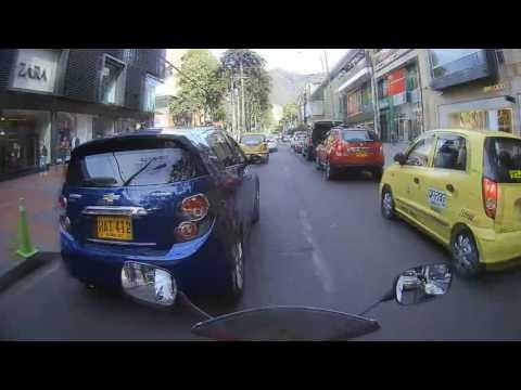 MOTOVLOG - Espiando gente desde la calera. Bogota-Colombia. MOTO YAMAHA R15