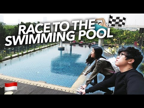 EPIC RACE TO THE SWIMMING POOL!! | Ranz and Niana