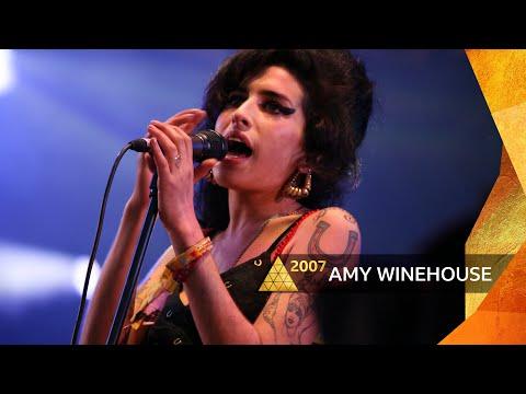 Amy Winehouse - Back To Black (Glastonbury 2007)