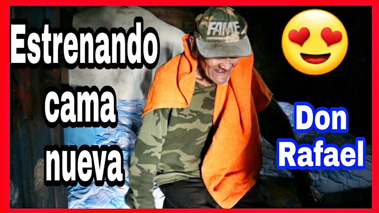 Don Rafael FELIZ con su camita nueva 😍❤