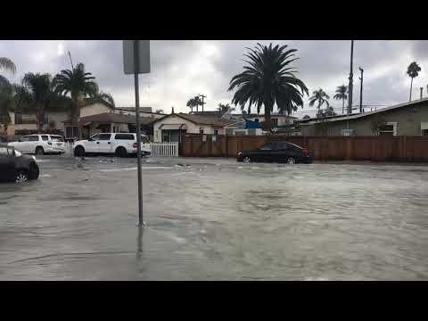 KOGO LOCAL NEWS - Water Main Break in North Park Floods Streets