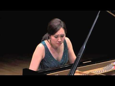 Young-Ah Tak: Beethoven Rondo in C Major, Op.51 No.1