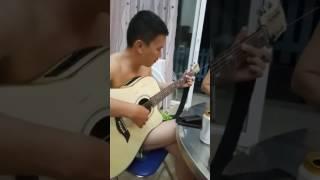 Thương lắm tóc dài ơi, nhạc Phú Quang, nghệ sĩ guitar Nghĩa Shine, giọng hót Phi Thái Anh. Bài hát d