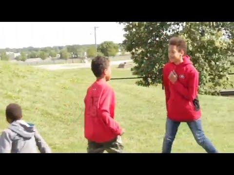 LITTLE GHETTO KIDS FIGHTING!