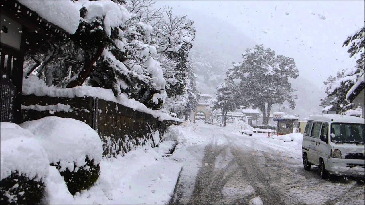 雪の出石町の風景 観光地 - YouTube