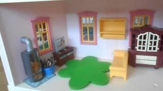 Umräumen des Wohnzimmers von Familie Bauer