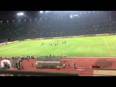 Bonek Satu Stadion Nyanyi Anthem