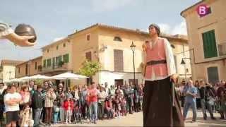 Sortida dels gegants amb la tamborada, Fira Santa Maria