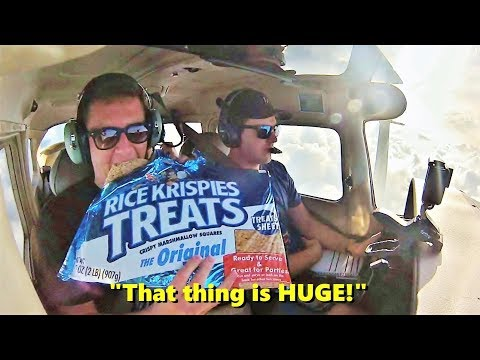 SNACKS ON A PLANE! Flying the Cessna 172 Skyhawk (ATC Included)