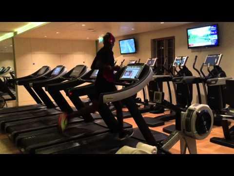 Mo Farah Training Hard