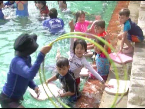 Children S Summer Swim Lessons At The Venetian Pool Youtube