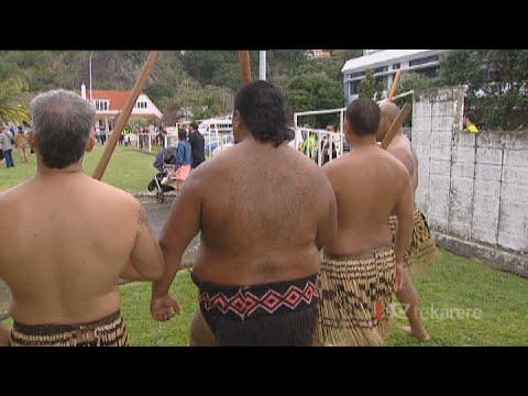 Black Power brothers turn to tikanga Māori and mau rākau