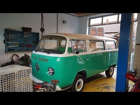 Restoration of VW camper T2 early bay 1972