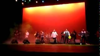 tropicalisimo apache en el teatro nazas - popurri de los 70s