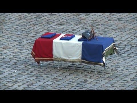 Hommage aux Invalides pour un soldat français tué au Mali