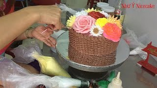 Bánh kem sinh nhật hình giỏ hoa - Birthday cake shaped flower basket