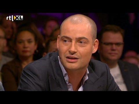 Lange Frans gelooft nog steeds in complottheorie - RTL LATE NIGHT