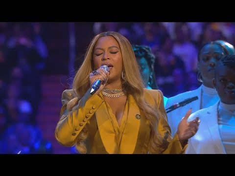 Beyonce sings at
