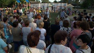 Любеч: активні громади здобувають більше(Прагнення створити достойні умови для здорового та веселого відпочинку своїх дітей об'єднало всю активну..., 2014-07-20T09:32:32.000Z)
