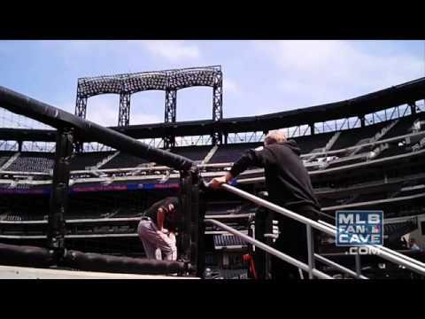 Buck Showalter Pranks Orioles Pitcher Darren O'Day   Video
