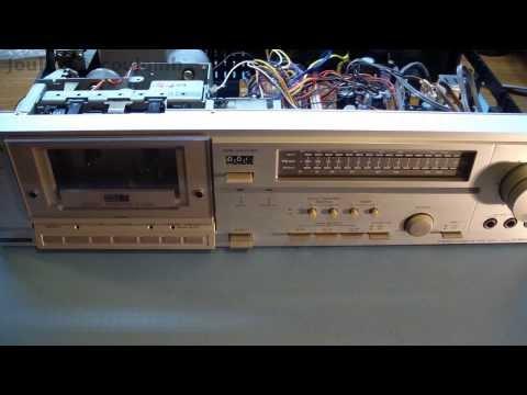 Dismantling the Hitachi D-85S Cassette Deck