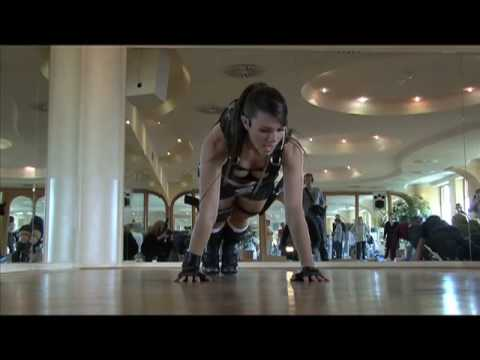Fitness Alison Carroll/Lara Croft TombRaider:Underworld