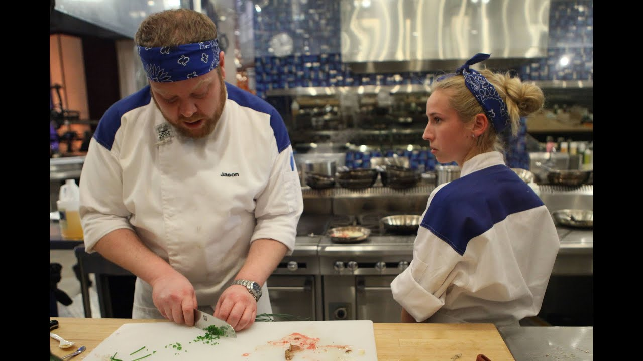 Hell 39 s kitchen after show w jason zepaltas season 12 for Hell s kitchen season 15 episode 1