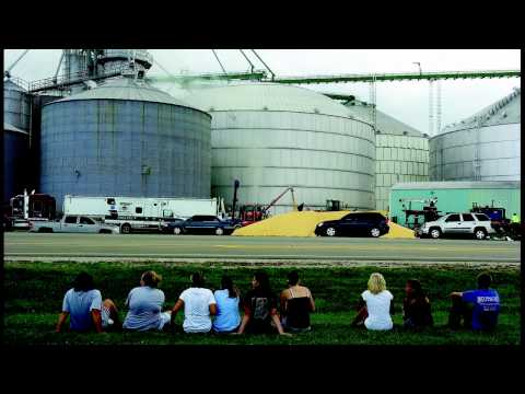 1 confirmed dead in grain bin