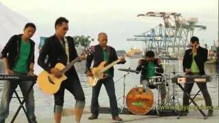 karam dilauik cinto - lagu minang/poepay band