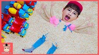 Learn Colors with Indoor playground for kids children 슈퍼윙스 키즈카페 실내 놀이터 장난감 놀이 | 말이야와아이들 MariAndKids
